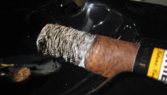 http://www.casasfumando.com/wp-content/uploads/2010/11/CMG-14.jpg